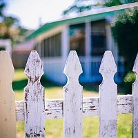 picket-fences-349713_640.jpg
